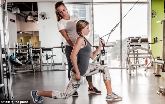 Sophie Holmes, МВ — личный фитнесс-тренер